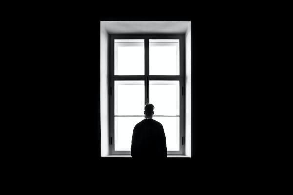 Man som lider av generaliserat ångetsyndrom eller oro - legitimerad psykolog Kristoffer Pettersson Stockholm